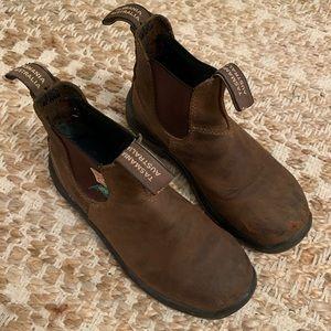 size 4 steel toe blundstones (about a women's 6)